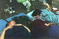 Спать в палатках было явно жарко, поэтому все предпочитали ночевать под открытым небом